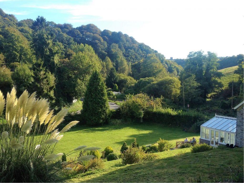 Large Garden Polraen Country House