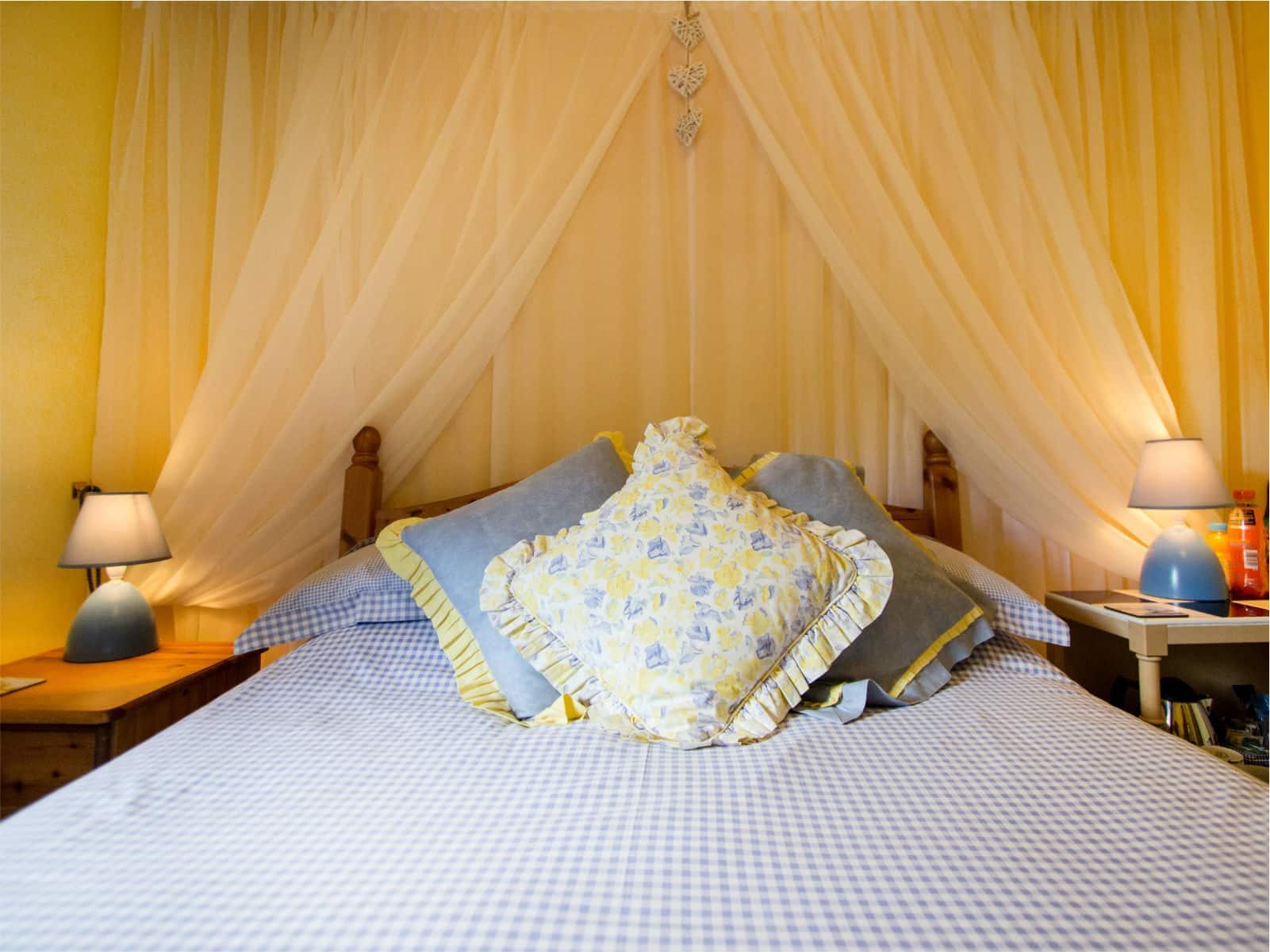 Primrose Bedroom Polraen Country House 1