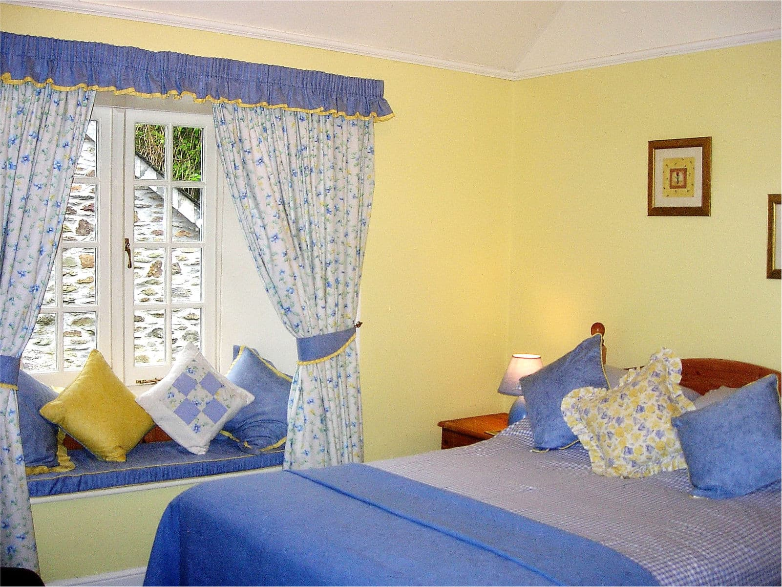 Primrose Bedroom at Polraen Country House