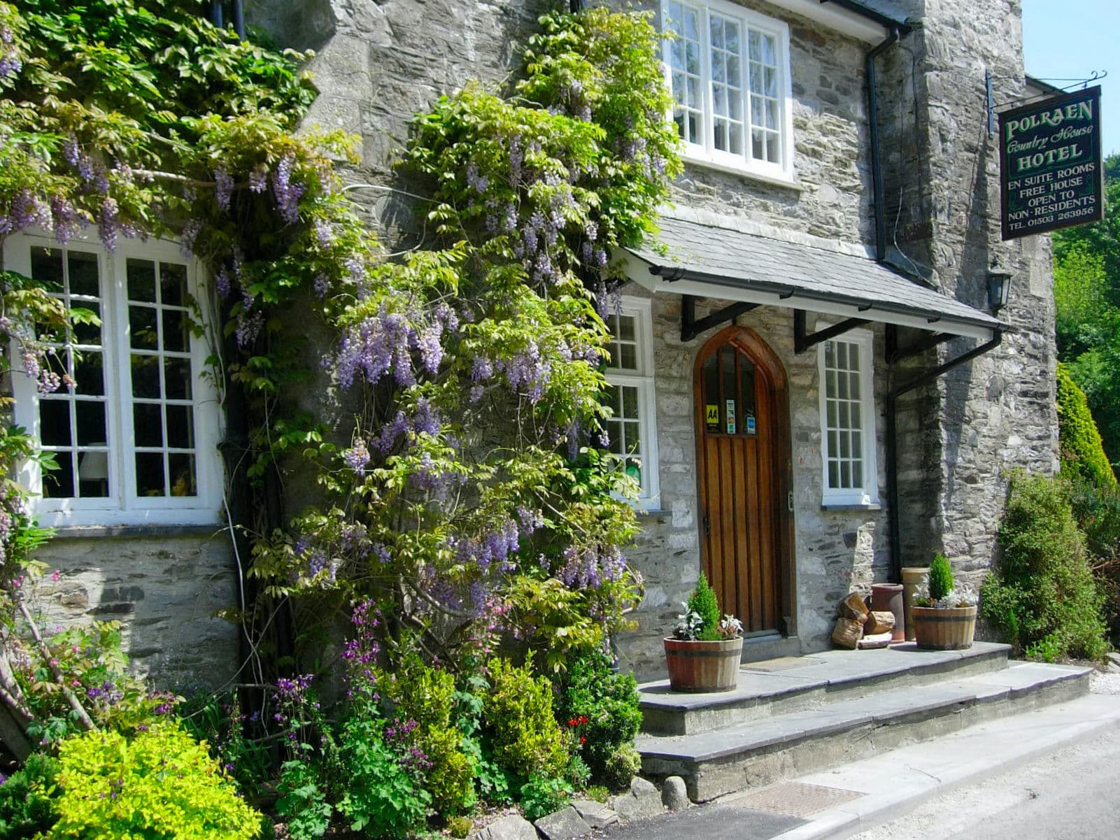 Welcome to Polraen Country House